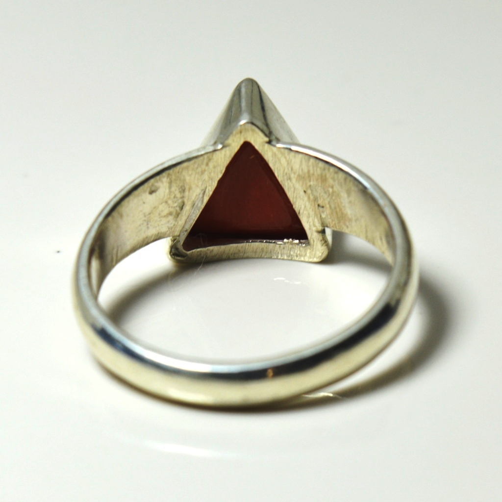 Genuine-Coral-Ring-4-5-Carat-Sterling-Silver-Triangle-Ring-US-Size-4-13-SPF1UK
